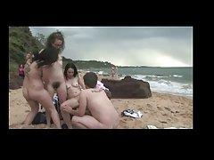 Grupa zabawy na plaży Udsen
